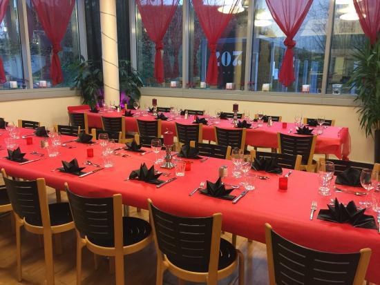 Le Grand Saconnex, Schweiz: 31 Décembre sur le thème rouge & Noir 2015