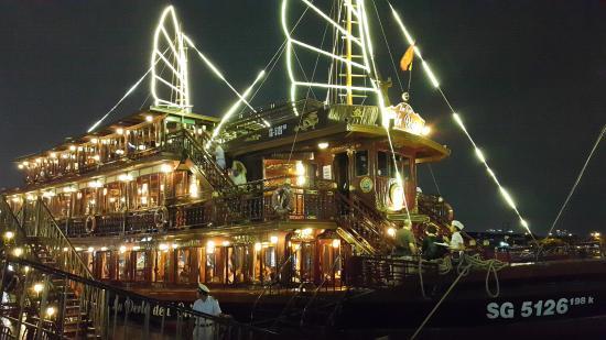 Bonsai Dinner Cruise on Saigon River   Viet Fun Travel