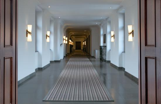 Augustine, a Luxury Collection Hotel, Prague: Corridor