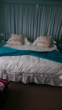 Whale Coast Lodge: Beautiful bedroom