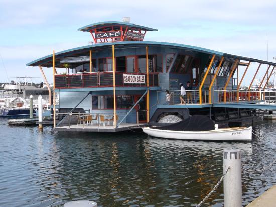 The Esplanade Motel: кафе морепродуктов на набережной