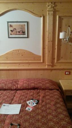 Camera matrimoniale con letto a castello. - Foto di Hotel Negritella ...