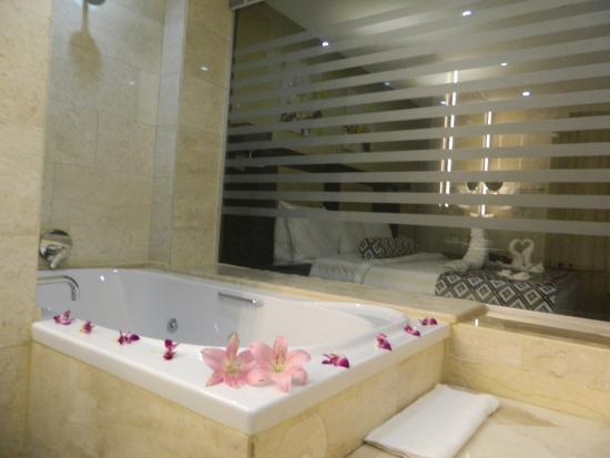 Olive Tree Hotel Amman: Jacuzzi Room