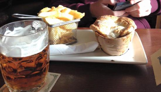 Mad O'Rourkes Pie Factory: Lamb pie, chips and ale!