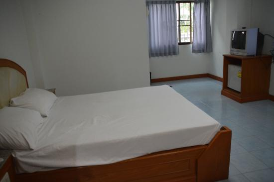 Jitwilai Place: room