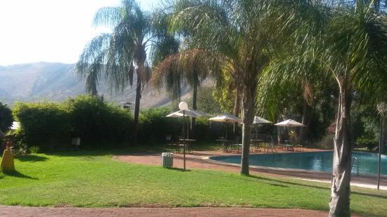 Protea Hotel Hunters Rest: Swimming pool area