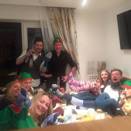 Appartements Herold: Christmas Day around the table
