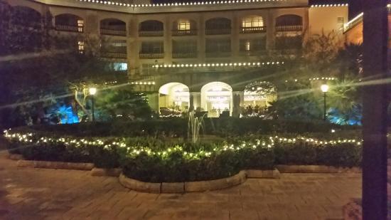 Corinthia Palace Hotel & Spa: facciata principale