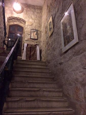 Jerusalem Hotel: Upstairs