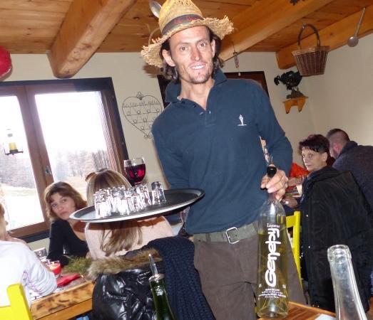 Enchastrayes, Fransa: Le Bon Barman !
