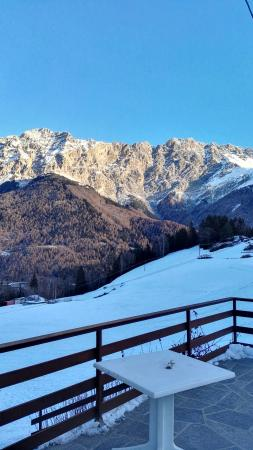 Valdisotto, Italien: Immerso tra i monti