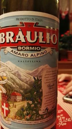 Valdisotto, Italia: Immerso tra i monti