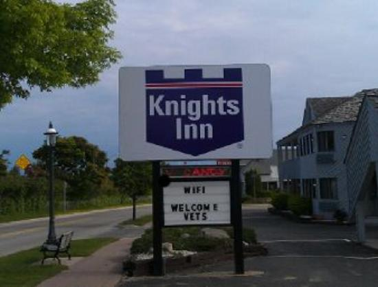 Photo of Knights Inn Mackinaw City
