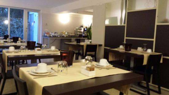 Vialeromadodici Rooms & Apartments: Der Frühstücksraum