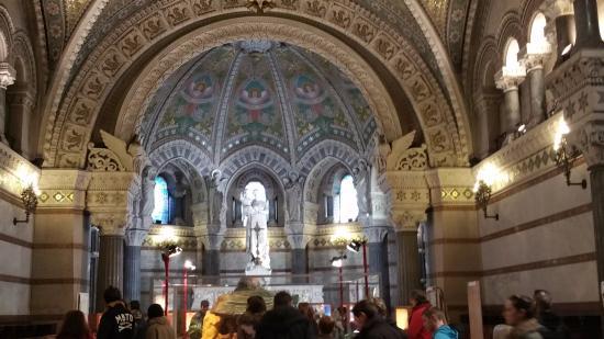 Basilique Notre Dame de Fourviere: la basilique