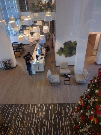Hotel Valentina: Looking down into the lobby