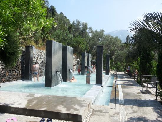 Doccioni templari foto di giardini termali negombo - Giardini fantastici ...