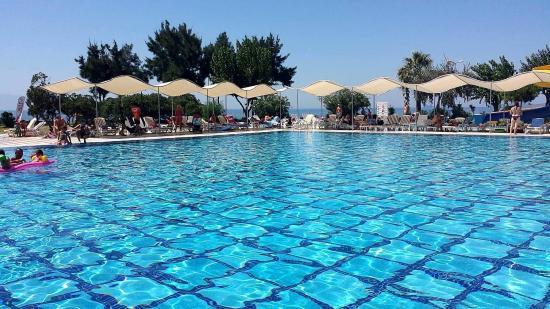 Gumuldur Resort: Basen główny
