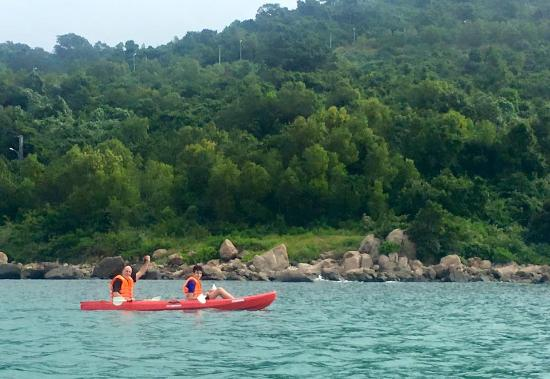 Furama Resort Danang: Hotel activity/Kayaking at Monkey Mountain Bay