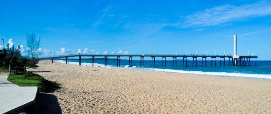 Costa Azul Beach Pier De Costazul