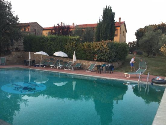 Agriturismo Renai e Monte: Swimming pool