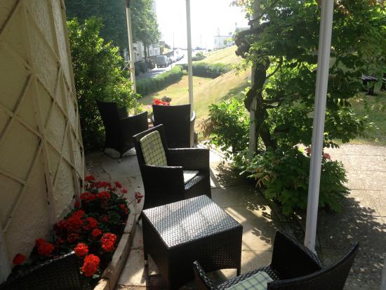 Royal Glen Hotel: the veranda