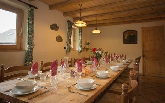 Chalet Lou Trave : Enjoy hearty, nutritious 3 course evening meals, with wine