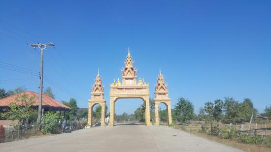 Chomphet Stone Sculpture Village and Temple Complex