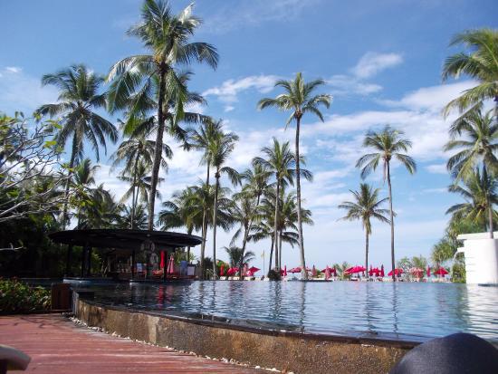 Ramada Khao Lak Resort: Pool Bar