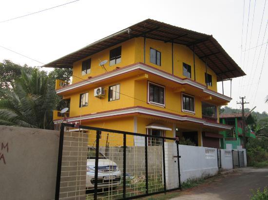 Mandrem Beach Guest House Goa