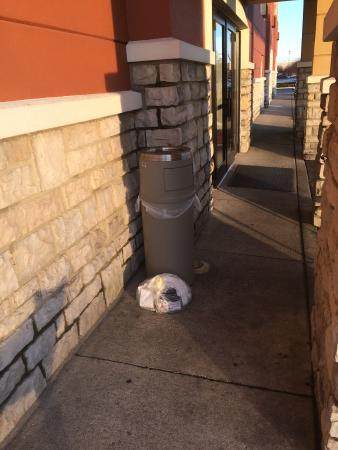 Extended Stay America - Findlay - Tiffin Avenue: trash piling up outside