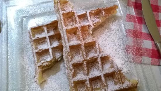 Gif-sur-Yvette, Франция: Gaufre au sucre glace