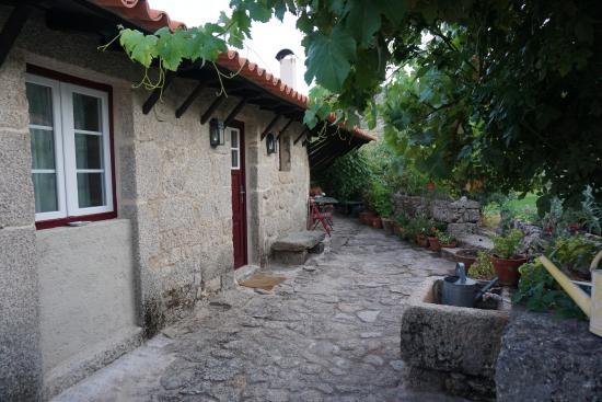 Casa do Castelo Novo: Apartamento com saída para a área interna