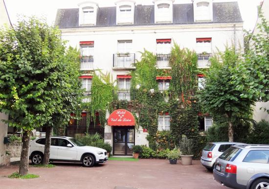 Hotel Val de Loire: Façade Hôtel Val de Loire