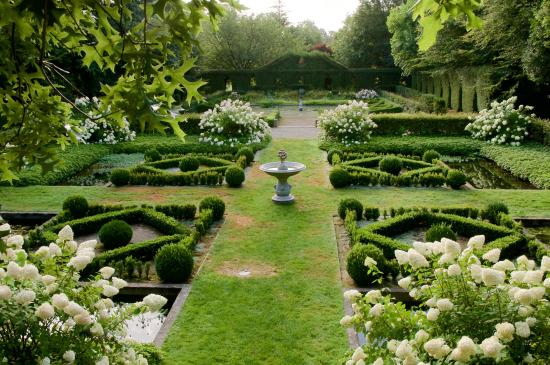Le jardin secret picture of parc botanique de haute for Le jardin botanique camping