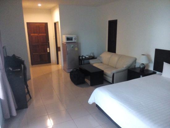Rawai Beach Resort: lot of space