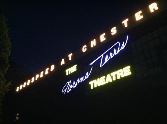 Chester, קונטיקט: The Terris Theatre in Chester, Conn.