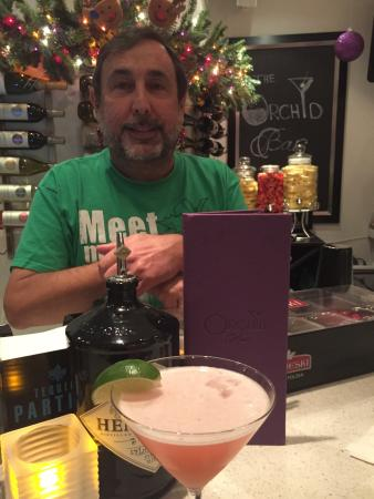 Orchid Key Inn: Happy Hour with Alex