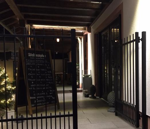 restaurant hoechster genuss schmiede frankfurt am main restaurant bewertungen telefonnummer. Black Bedroom Furniture Sets. Home Design Ideas