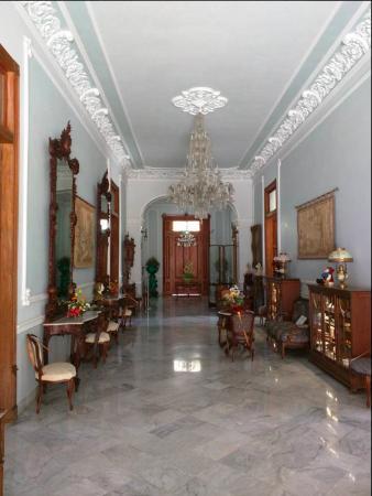 Elegante recibidor Picture of Casa Museo Montes Molina Merida