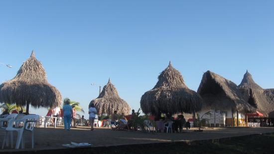 Puerto Lopez, Kolumbia: Playa y chozas