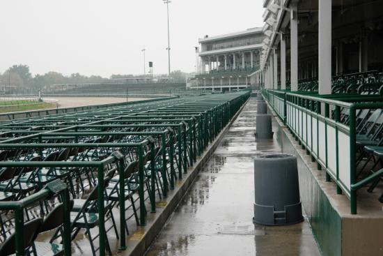 Kentucky Derby Museum: Rainy day at the track