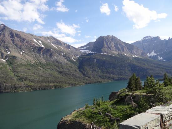 Cameron Lake: Waterton Lakes National Park