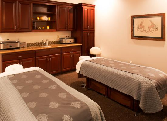 Shelton, WA: Couple Massage Suite