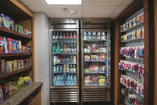 La Quinta Inn Auburn Worcester: pantry