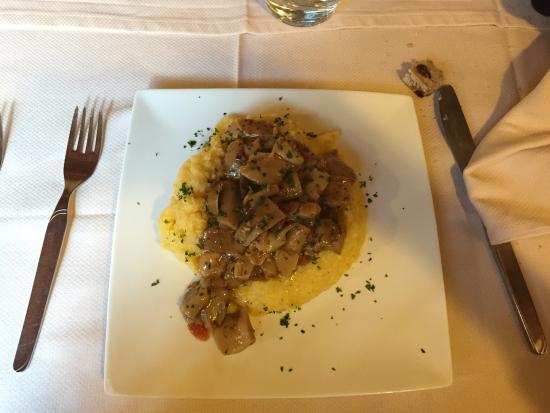 Bar Ristorante La Taverne: polenta con i funghi