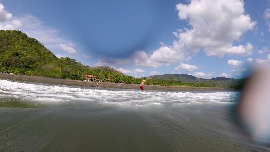 Hotel Playa Cambutal: Surfing