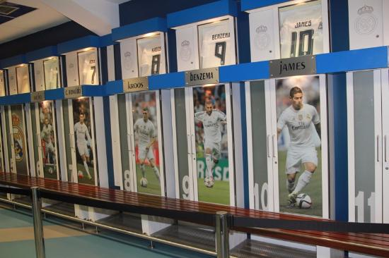 Foto de estadio santiago bernab u madrid the real madrid for Puerta 6 santiago bernabeu