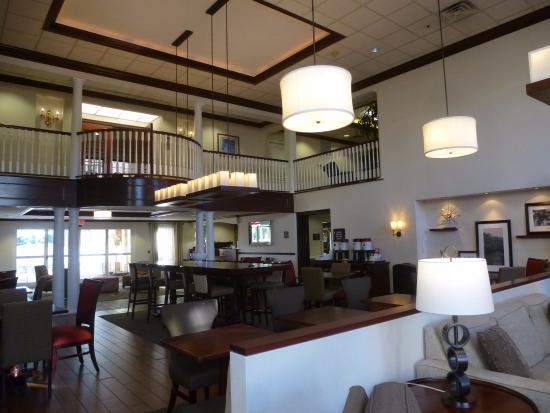 Hampton Inn and Suites Bethlehem: Dining - Reception