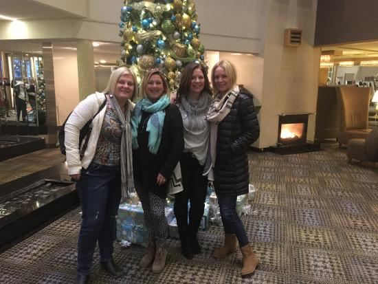 White Oaks Conference Resort & Spa: The girls….after the wine tour !!